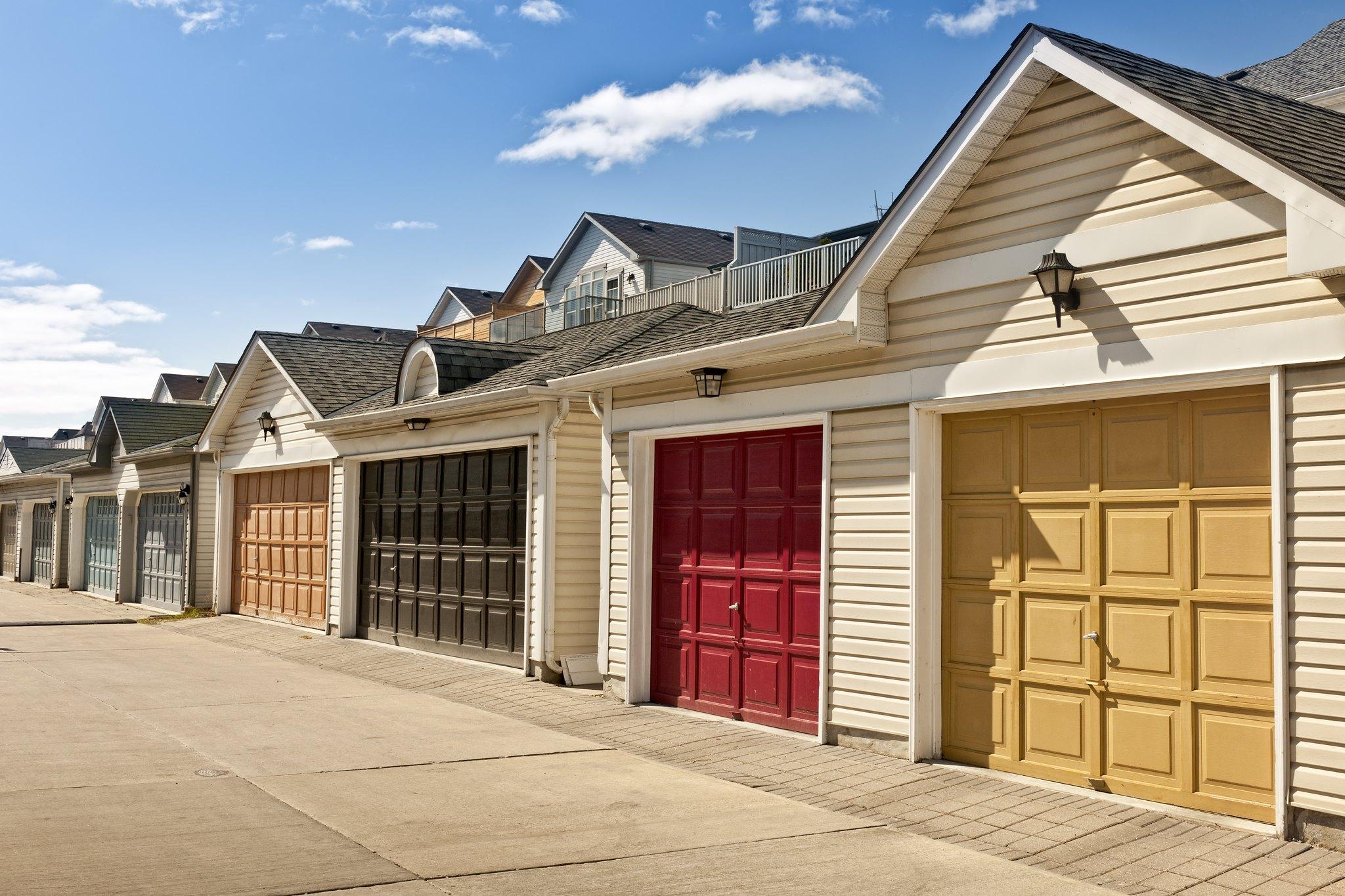 Pros And Cons Of Fiberglass Garage Doors