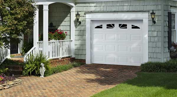 Lincoln Garage Door Style