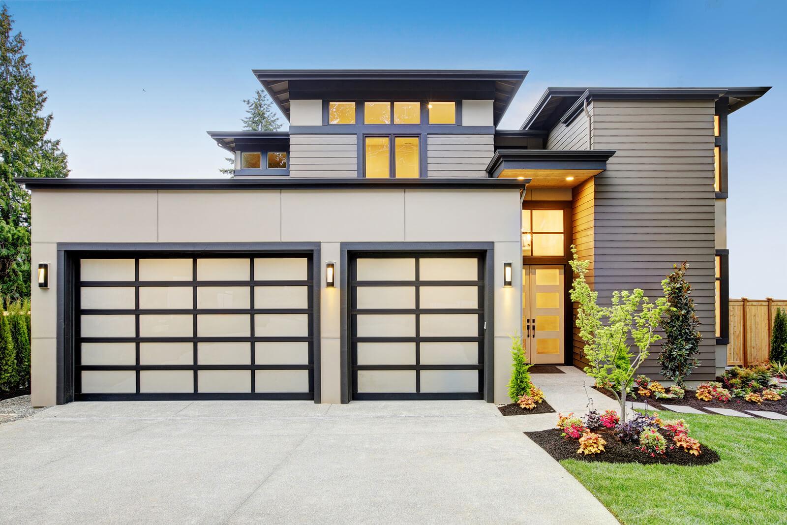 aluminum-garage-door-with-tinted-glass