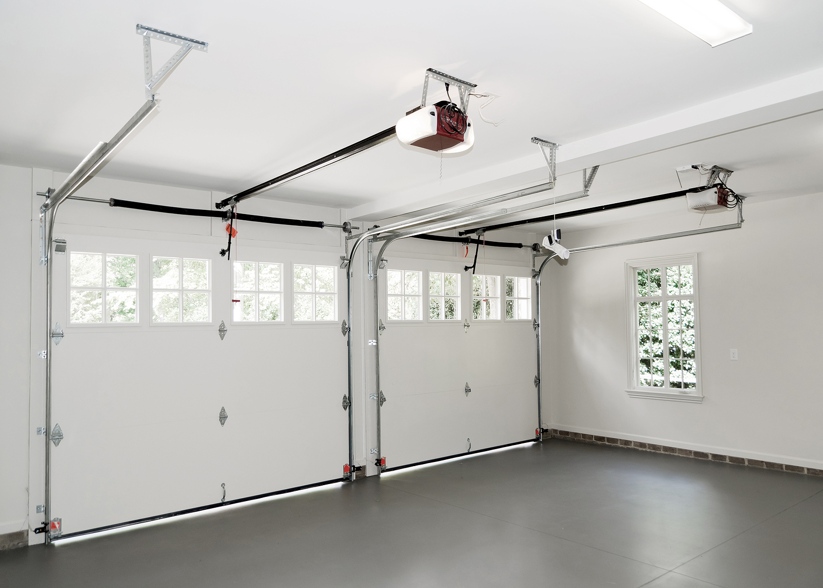 Residential-House-Two-Car-Garage-interior-with-Window